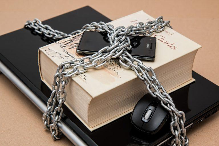 Młodzież w internecie – jak zadbać o bezpieczeństwo w sieci?